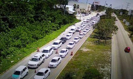 'Turisteros' defienden apertura a Uber en Cancún; taxistas fúricos