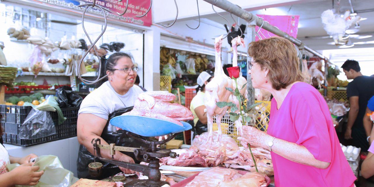 Supervisan trabajos en el mercado y el parque de Chuburná de Hidalgo