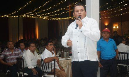 """Se reúne """"Huacho"""" con profesores del sur de Yucatán"""