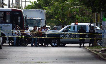 Ejecutan a 3 personas en región 93 de Cancún (video)