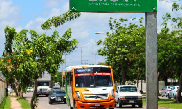 Promete Vila a estudiantes de Uady correr a camioneros que no den descuento (video)