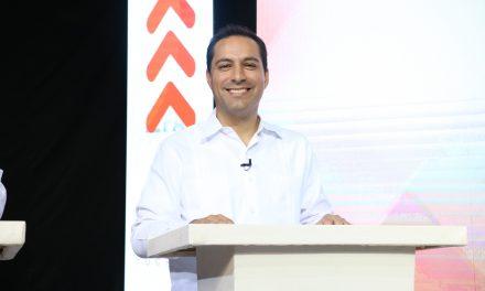 Vila demuestra su experiencia y saca ventaja en primer debate por la gubernatura