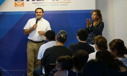Un gobierno honesto mira a sus ciudadanos de frente: Renán Barrera