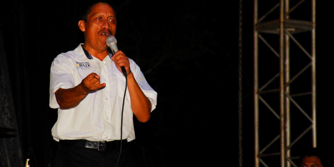 Bernardo Caamal, el alux que busca votos entre fantasmas y zombis, en Yucatán
