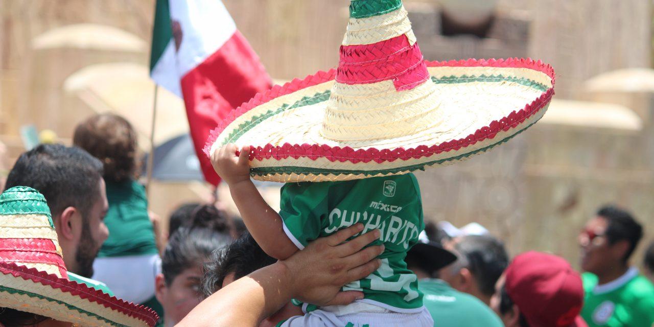 Tranquilo festejo del triunfo del Tri, en Mérida (vídeo)