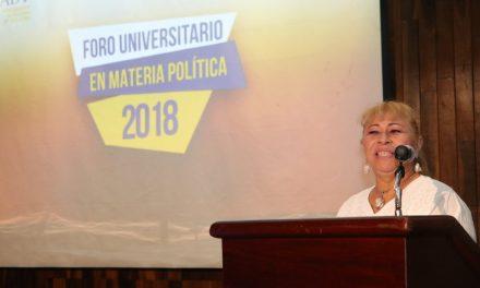 Crónica: 'Quiero ser la mamá de los meridanos': Candidata Tina Tuyub, en la Uady