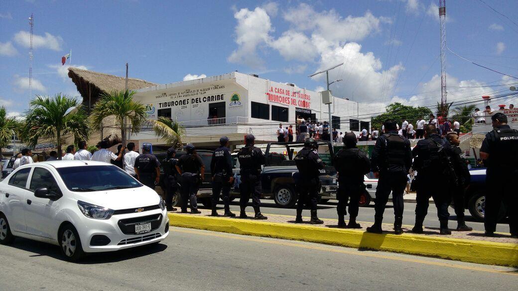 Llegan a golpes en Sindicato de Taxistas de Tulum; 20 lesionados (Vídeo)