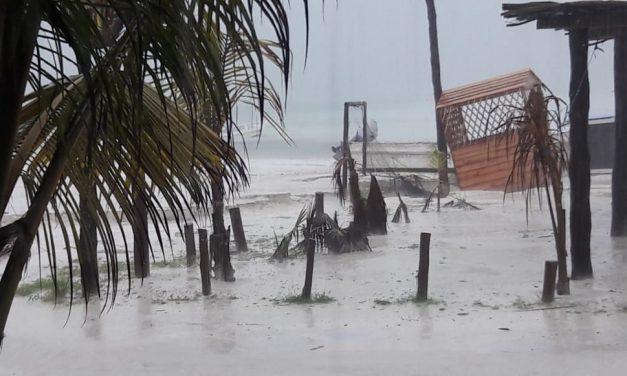 Península lluviosa: afectados Cancún y municipios de Quintana Roo