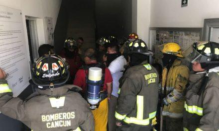 Muere trabajador por incendio en hotel de Cancún