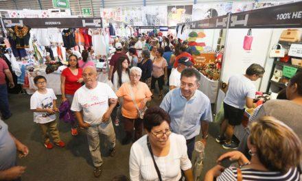 Jóvenes yucatecos conquistan nuevos mercados con su línea de calzado