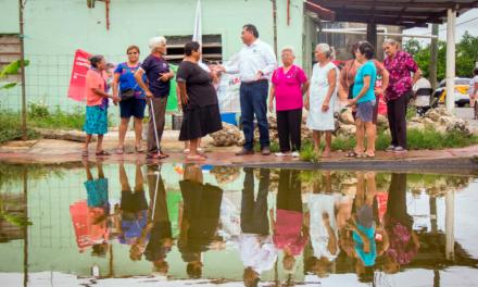 Servicios municipales eficientes mediante APP propone Víctor Caballero