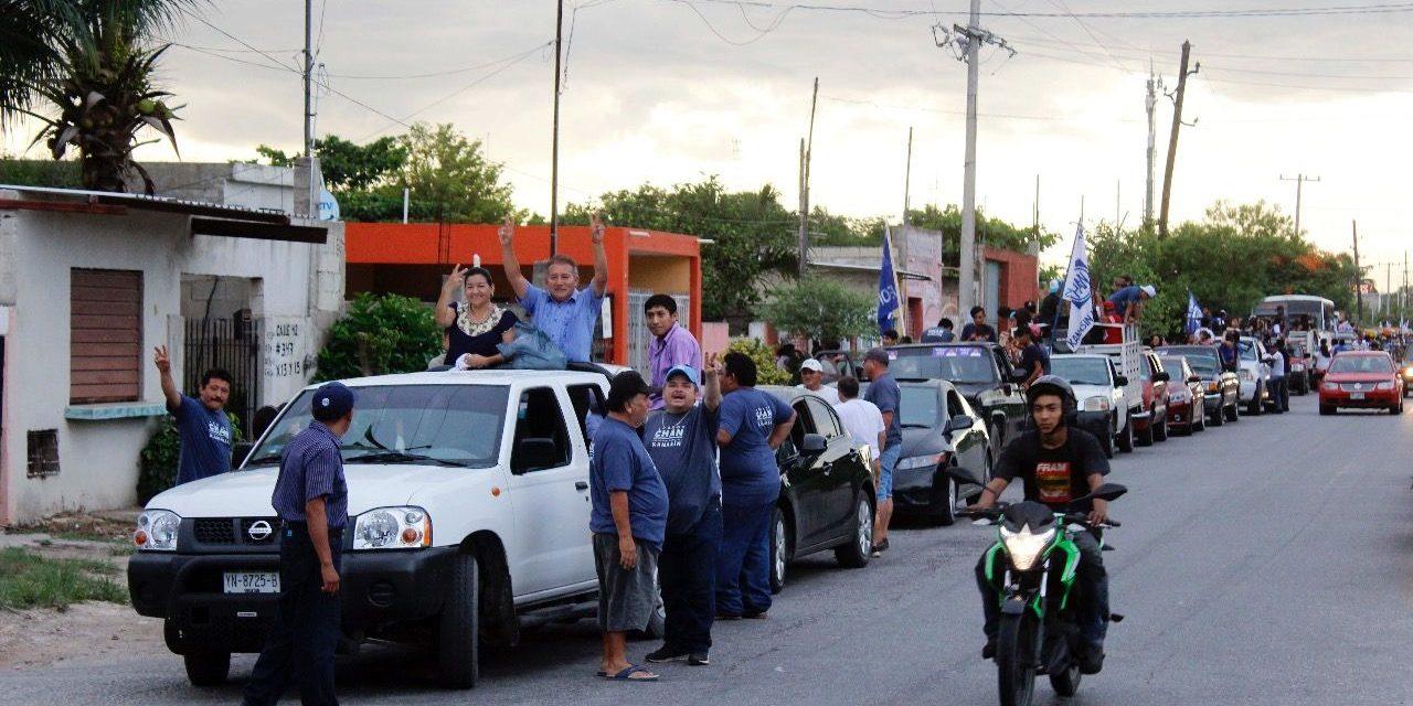 Leonor Chan encabeza Caravana de la Victoria en Kanasín