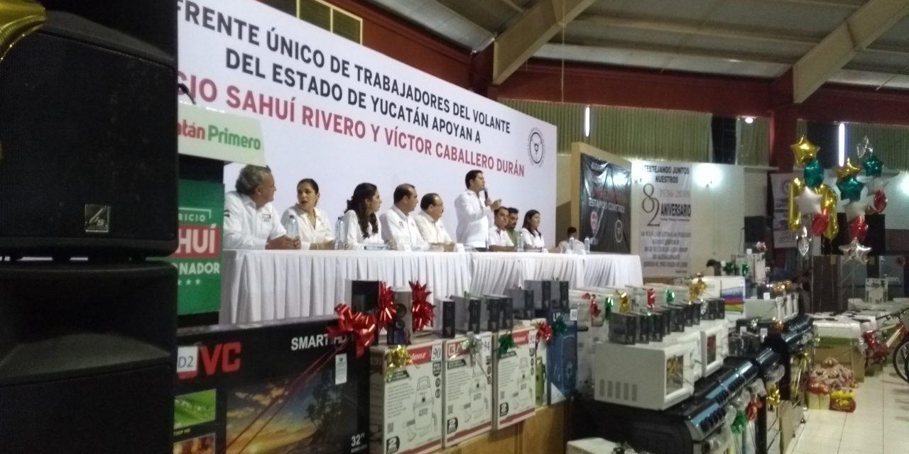 Taxistas yucatecos tendrán apoyo de PRI contra competencia desleal