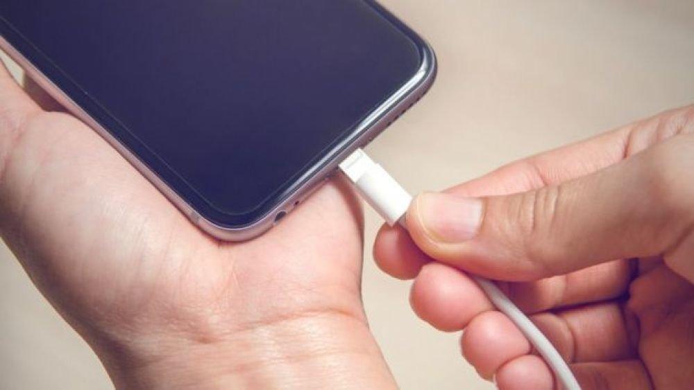 Cables baratos, la 'muerte' de tu teléfono