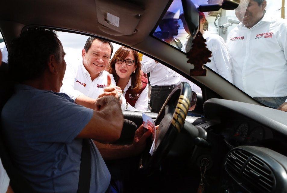 Huacho y Yeidckol realizan labor de volanteo en Mérida