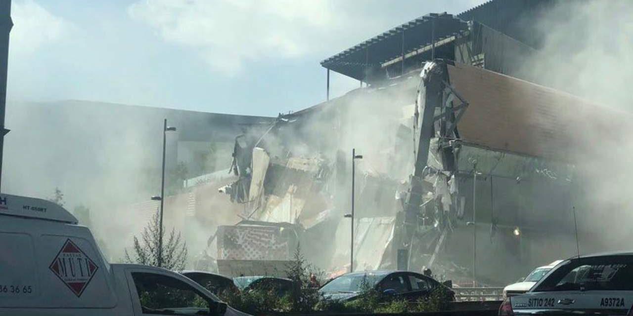 Parte de la plaza comercial Artz se derrumba en CDMX