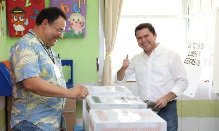 Emite Sahuí su voto