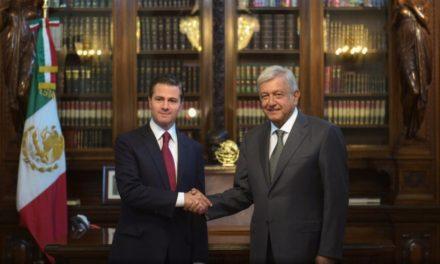 Peña Nieto dialoga con López Obrador en Palacio Nacional