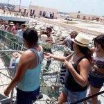 Aplican 'filtros sanitarios' en barco extranjero Logos Hope, en puerto Progreso