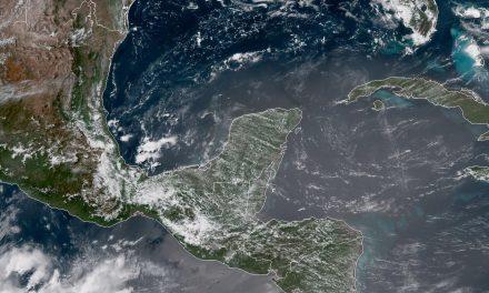 Mucho calor y lloviznas vespertinas en Península de Yucatán, este fin de semana