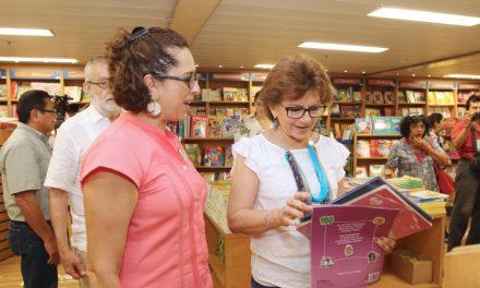 Participa alcaldesa María Fritz en la inauguración de la biblioteca flotante más grande del mundo