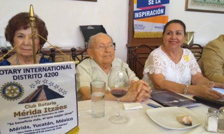 Ayudar te enriquece, dice veterano rotarista yucateco