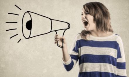 Las asombrosas razones por las que la voz de las mujeres es cada vez más grave