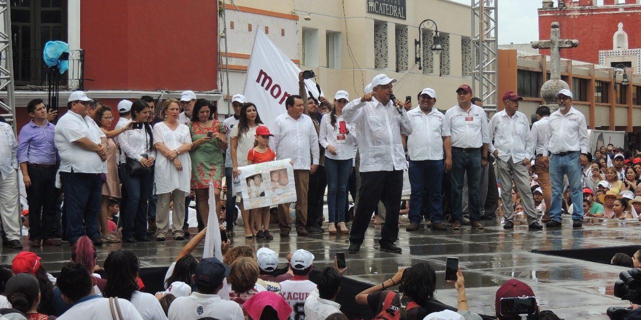 Dan triunfo a López Obrador