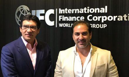 Presidente municipal electo de Progreso se reúne con ejecutivos del Banco Mundial