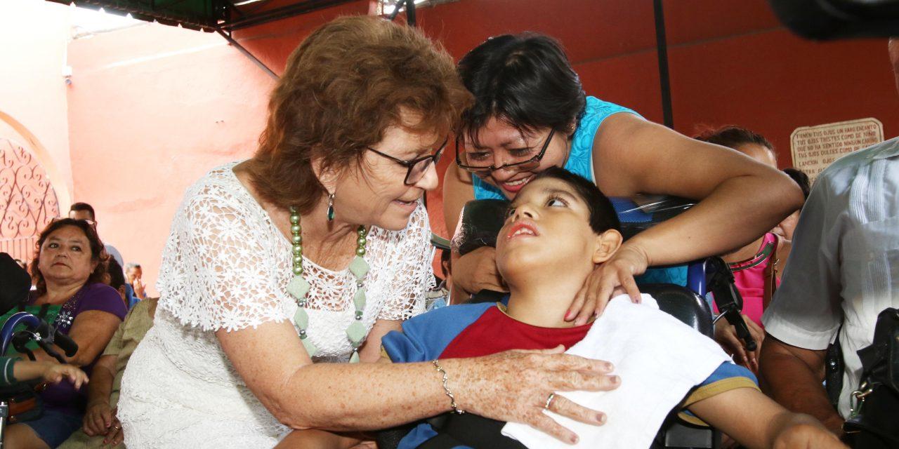 Alcaldesa Fritz Sierra, en la 13 entrega de aparatos ortopédicos