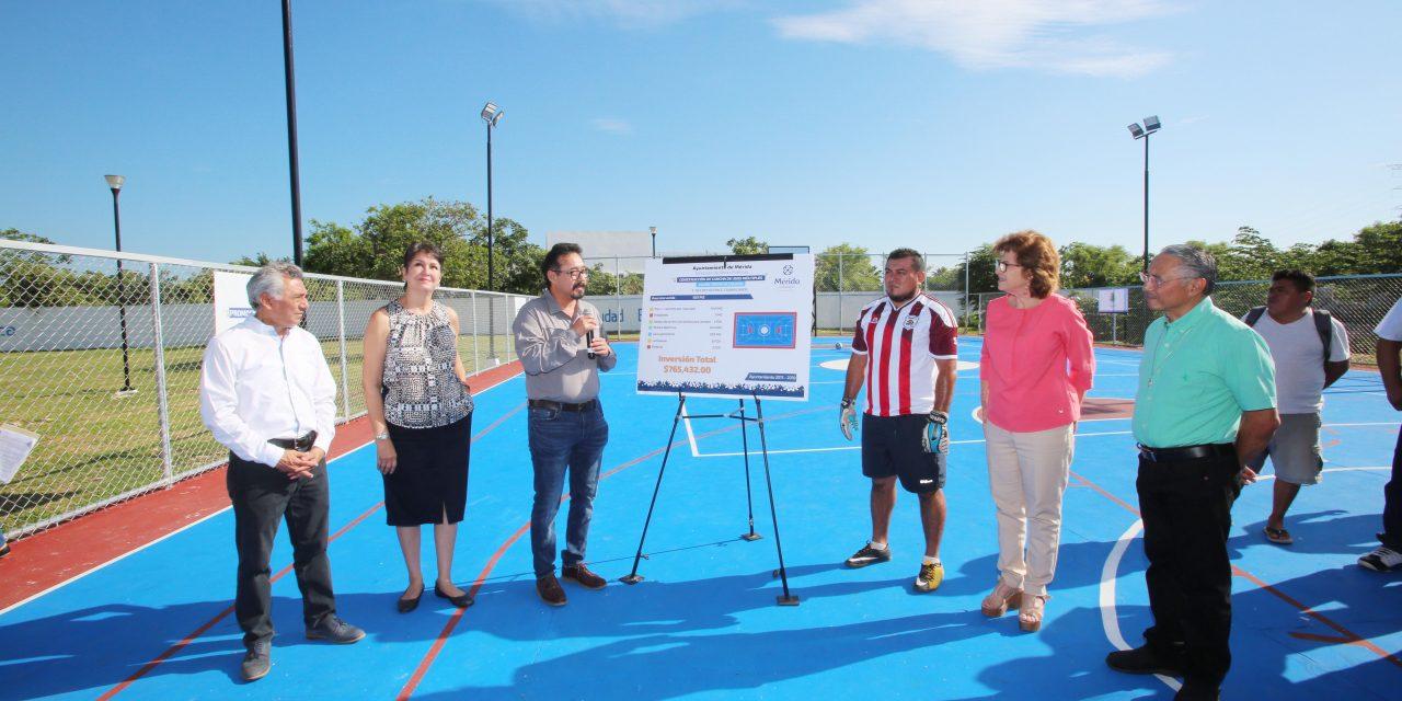 Alcaldesa María Fritz entrega nueva cancha de usos múltiples en Ciudad Caucel