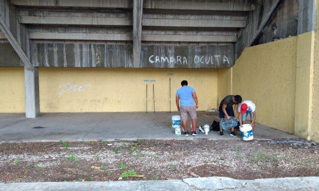 Decoran estadio de futbol 'Carlos Iturralde Rivero' con murales (video)