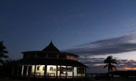 ¿Quieres cine al aire libre, fogata, lluvia de estrellas, en playa de Yucatán? Mira esto (video)
