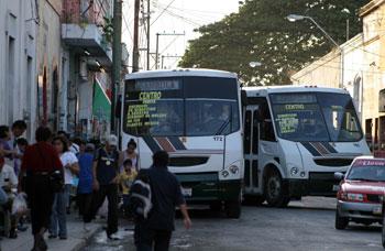 Reduce corridas y limita horarios transporte urbano en Mérida