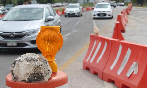 Precaución: cierran sin avisar lateral del periférico, en salida Mérida-Progreso