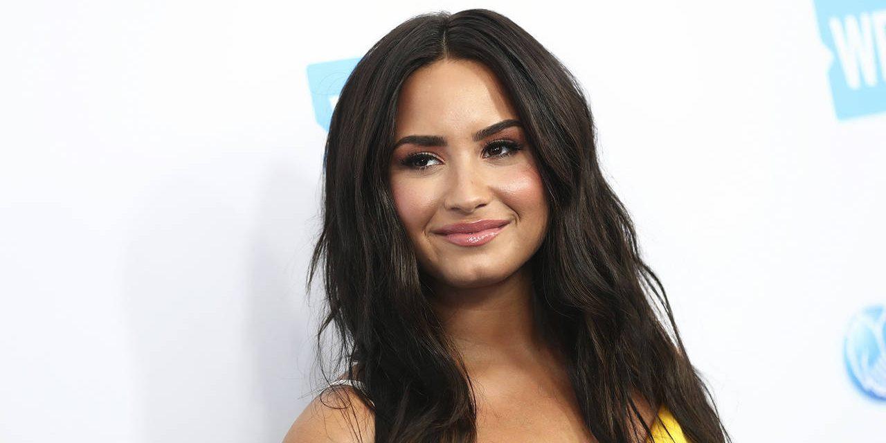 Demi reaparece en redes tras sobredosis