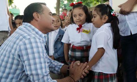 Ayuntamiento de Mérida fortalecerá sus programas de apoyo educativo