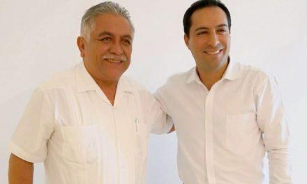 Encuentro de gobernador electo con líder de burócratas estatales