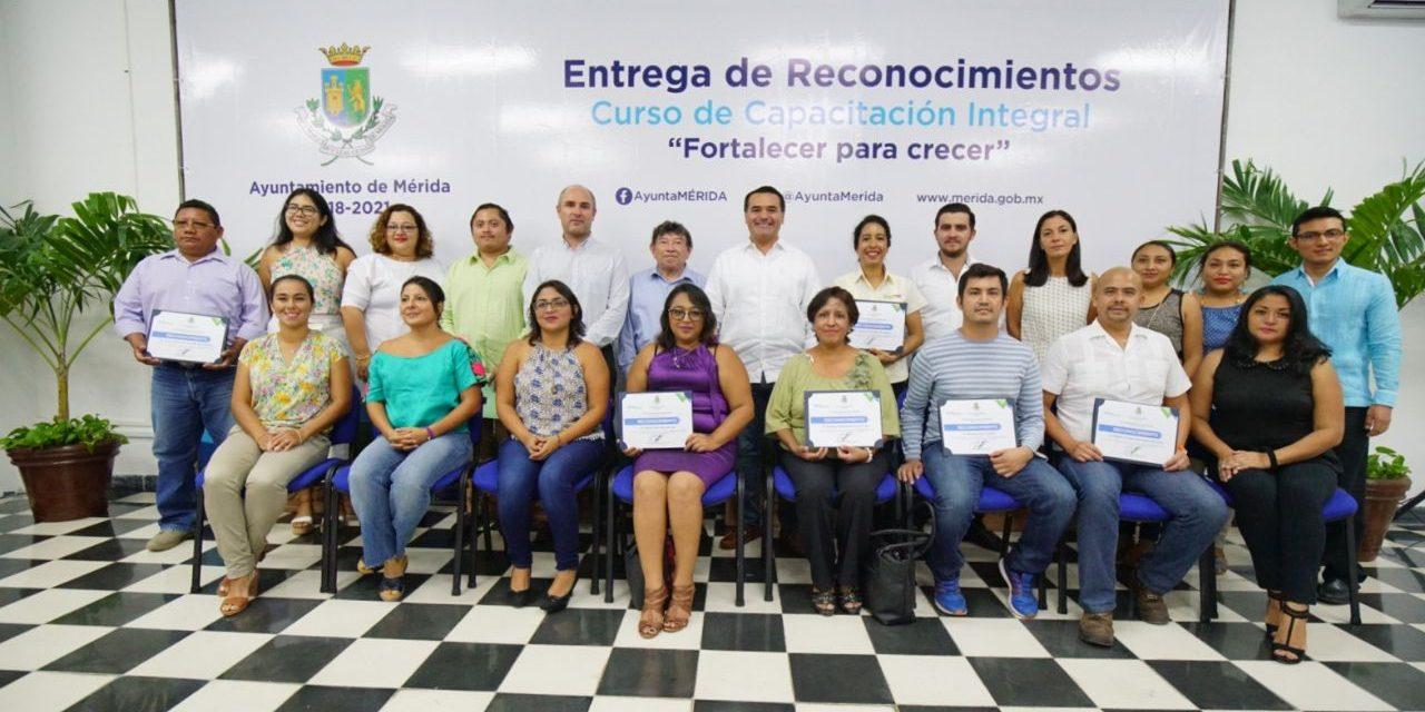 Fortalecer labor del Centro Municipal de Emprendedores, ofrece Renán Barrera