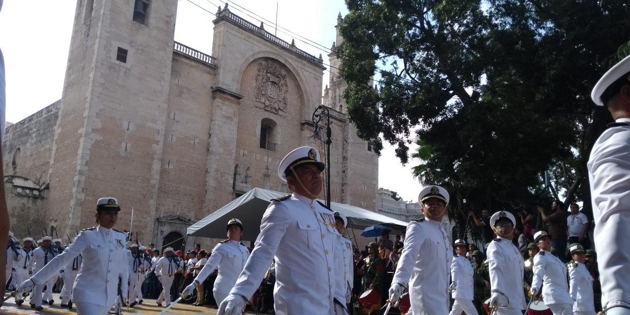 'Sin novedad' el último desfile del sexenio en Yucatán