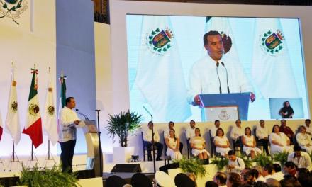 """Frente a """"oleada de esperanza"""", inicia Renán Barrera segunda gestión"""