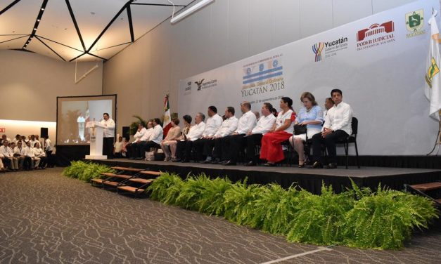 Jueces de México admiten, en Mérida, que la justicia es cuestión de dinero
