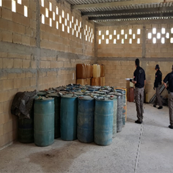 Catean domicilio en Homún y aseguran 11 mil 800 litros de combustible