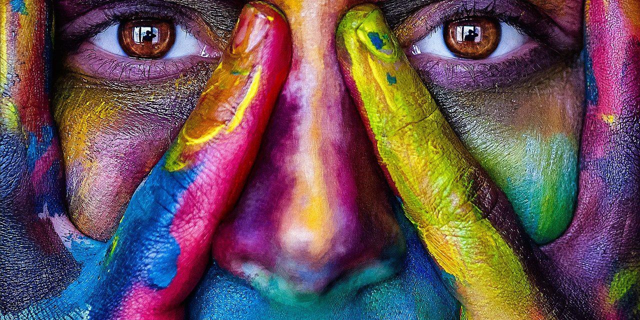 Sinestesia: el don de los que oyen, saborean y tocan los colores