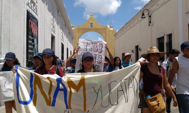 Alumnos de la UNAM en Yucatán exigen con 'porras' expulsar a los 'porros' (video)
