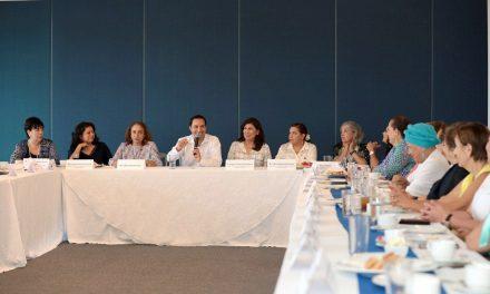 Revisan organizaciones y Vila agenda a favor de la mujer