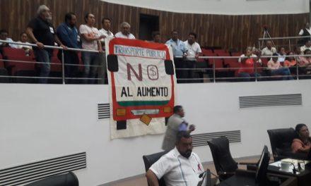 Adoptan legisladores negativa de alza a transporte en Mérida