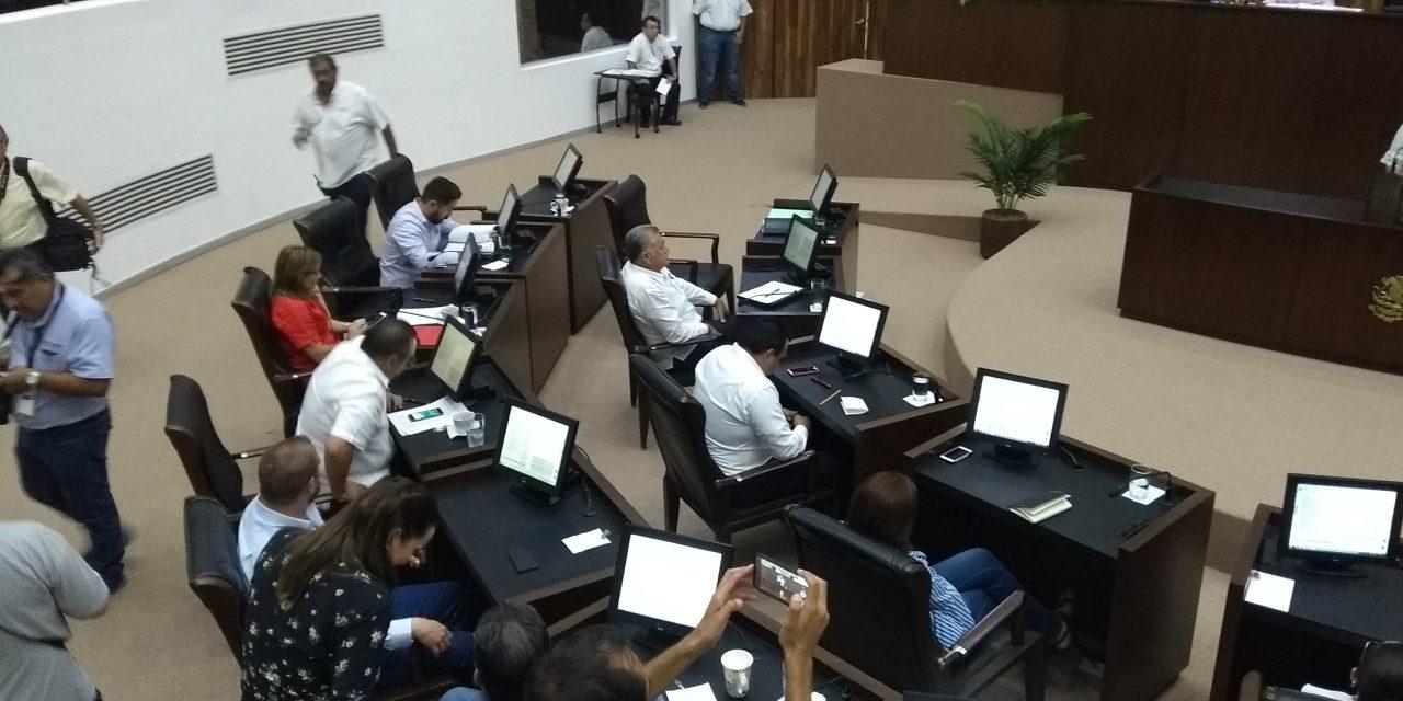 De noche llegan al Congreso, nombres de candidatos a Fiscal de Yucatán