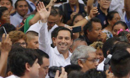 Vila Dosal, en el ritual de asunción al Gobierno de Yucatán