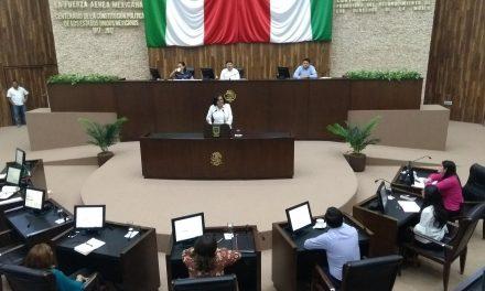 """Cuestionan plazas a """"parentela y amigos"""" de ex funcionarios"""